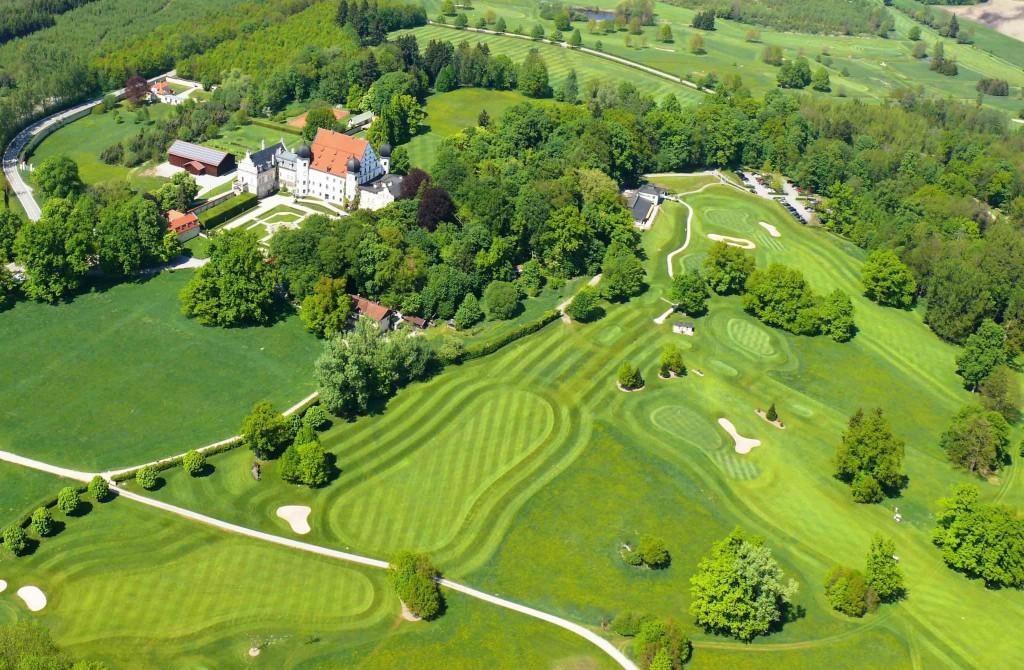 Im ehemaligen Englischen Garten des Schlosses Maxlrain wurde der Golfplatz angelegt