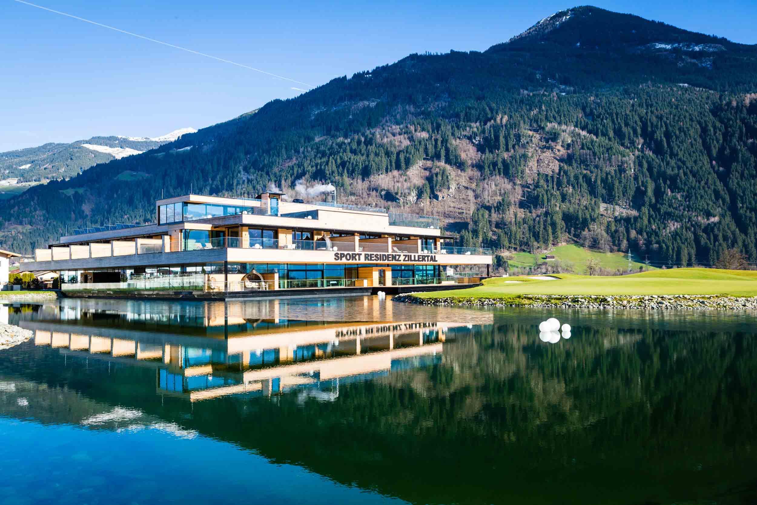 Golfclub zillertal uderns alpenmag for Designhotel zillertal