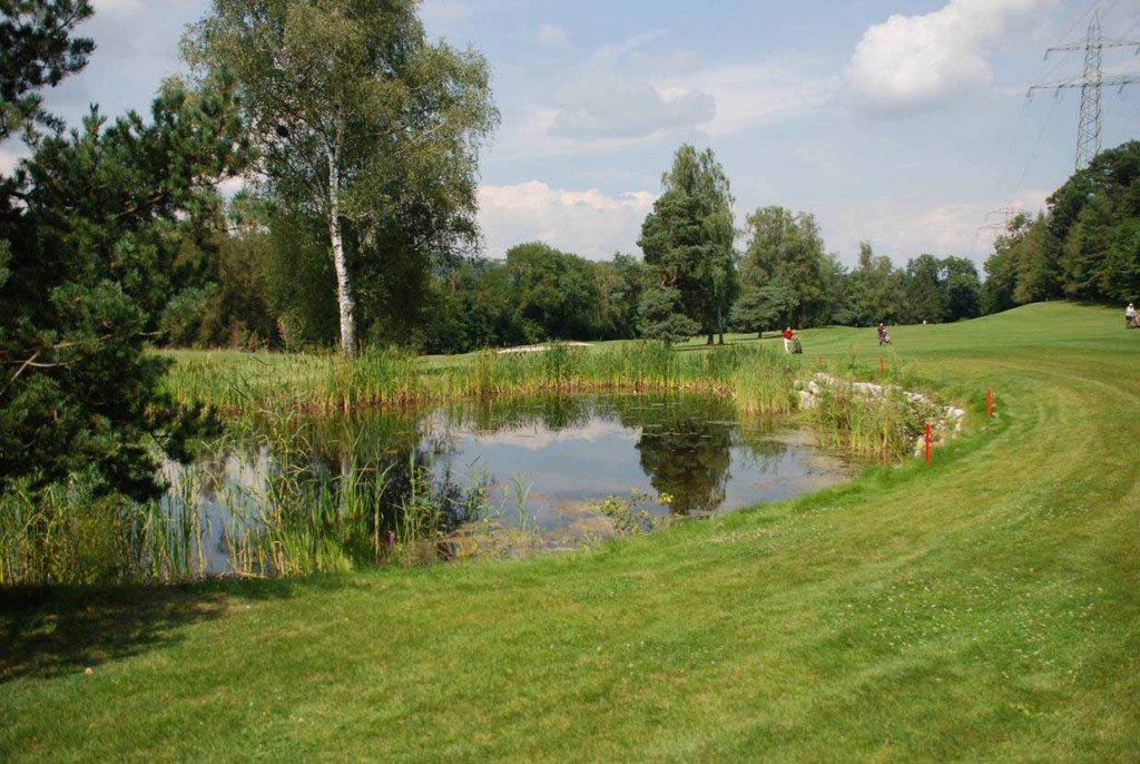 Inmitten der prächtigen Bäder-Parkanlagen vom Bad Schinznach gelegen: der Golf Club Schinznach Bad