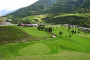 Der wahrscheinlich alpinste Golfplatz der Welt: Golfclub Andermatt Realp