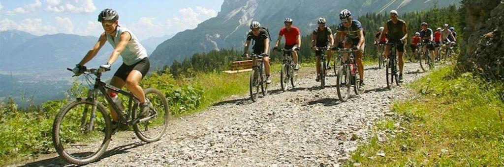 Murnau ist der perfekte Startort für Mountainbike-Touren ins Voralpenland. Foto: Alpenhof Murnau
